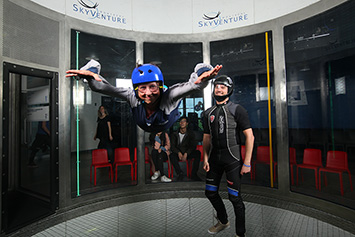 Indoor skydiving, Laval