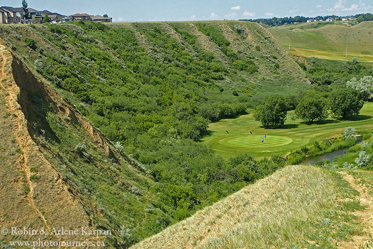 golf course, Medicine Hat on photojourneys.ca
