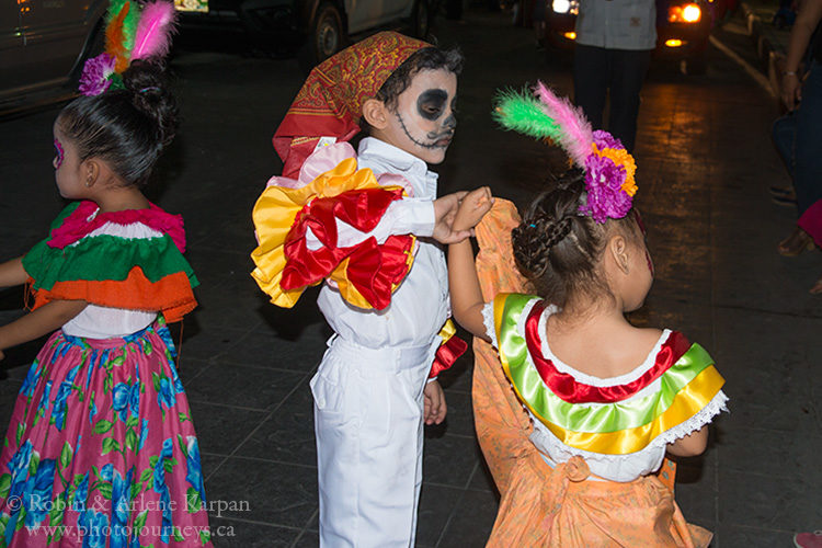 Dancers, Day of the Dead, Palenque, Mexico