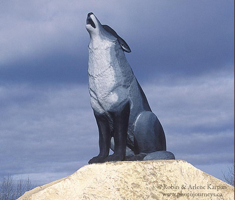 Spiritwood wolf statue