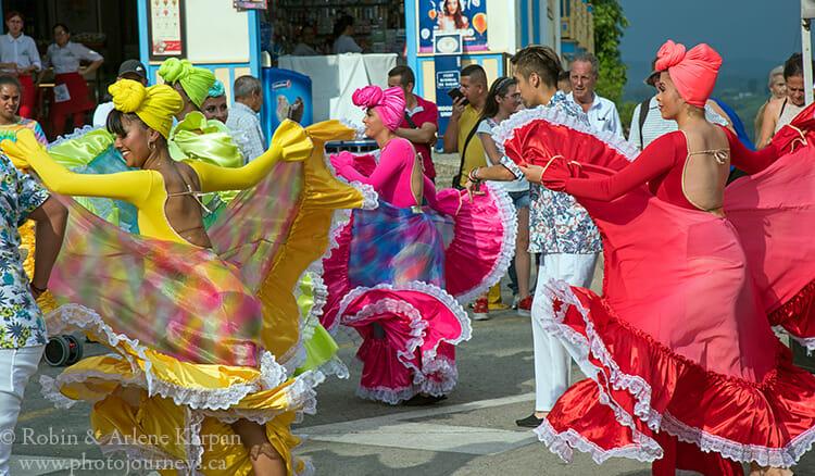 Folkloric dancers, Filandia, Colombia