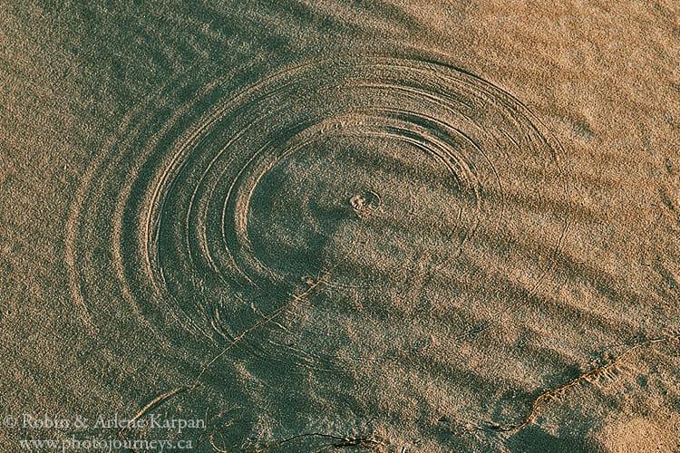 Sand circles